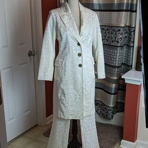 Cache Luxe white suit. Size medium.
